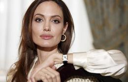 Angelina Jolie lần đầu thổ lộ suy sụp hậu chia tay Brad Pitt