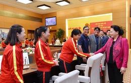 """Chủ tịch Quốc hội Nguyễn Thị Kim Ngân: """"Các nữ cầu thủ đã phát huy được phẩm chất của người phụ nữ Việt Nam"""""""