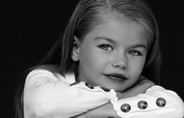 Mẫu nhí 6 tuổi người Nga được ca ngợi là bé gái xinh đẹp nhất thế giới