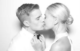 Justin Bieber khoe ảnh đám cưới hạnh phúc bên vợ
