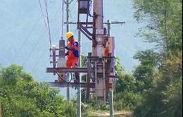 Người dân, doanh nghiệp kỳ vọng sớm thực hiện giảm giá điện