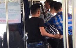 Hà Nội: Khởi tố vụ án nữ phụ xe buýt bị hành hung