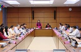 Quốc hội thảo luận về kinh tế - xã hội