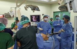 Bác sĩ Việt Nam hỗ trợ kỹ thuật mổ robot cho bệnh viện lớn nhất Philippines