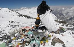 Tái chế rác thải trên đỉnh Everest
