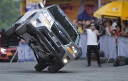 Trải nghiệm ô tô mạo hiểm cùng kỷ lục gia thế giới
