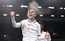"""""""Hàng hớ"""" Chelsea bất ngờ xô đổ hàng loạt kỷ lục """"khủng"""" của Premier League"""