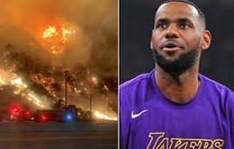 Lebron James phải rời khỏi nhà riêng vì cháy rừng