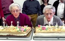 Cặp song sinh đón sinh nhật lần thứ 100
