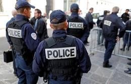 Hàng nghìn người Pháp tuần hành kêu gọi ngăn chặn cảnh sát tự tử