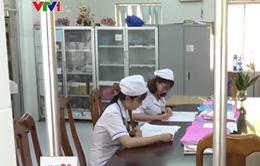 Cà Mau: Tự chủ bệnh viện công để giữ chân bác sĩ