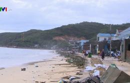 Bình Định: Sạt lở kè biển uy hiếp hàng chục hộ dân