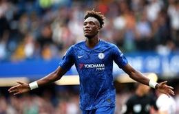 Abraham phá dớp ở Chelsea, HLV Lampard mừng ra mặt