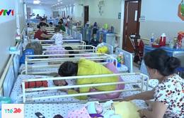 Trẻ mắc hô hấp tăng cao, bệnh viện quá tải