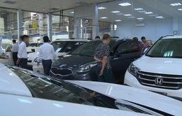 Giá xe ô tô tiếp tục giảm