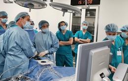 Lần đầu tiên can thiệp điều trị cho thai nhi từ trong bụng mẹ