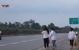 Băng qua cao tốc, 2 nữ công nhân bị ô tô tông chết, 1 người bị thương