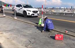 Đà Nẵng: Áp dụng kỹ thuật mới sửa chữa mặt cầu Thuận Phước