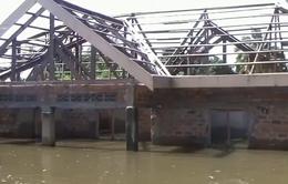 Hàng chục ngàn người Congo kẹt trong lụt ngập tới mái nhà