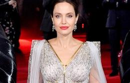 Angelina Jolie đã hẹn hò trở lại