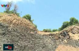 """Nguy cơ sạt lở tại khu vực """"gành Đá Dĩa trên cạn"""" tại Phú Yên"""