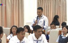 Giáo viên vùng khó khăn về thăm Hà Nội