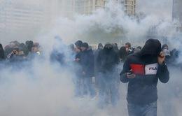 Pháp bắt giữ hàng trăm người biểu tình quá khích