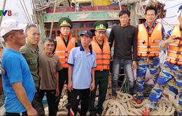 Nghệ An cứu 6 thuyền viên gặp nạn trên biển