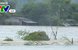 Xuất hiện vùng áp thấp trên biển Đông, Trung bộ mưa lũ kéo dài nhiều ngày