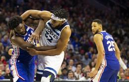 NBA ra án phạt cho Karl Anthony Towns và Joel Embiid