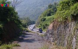 Dang dở thi công dự án đường lánh nạn dốc Cun trên QL6