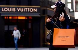 Tập đoàn LVMH nâng giá đề xuất mua lại Tiffany