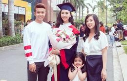 """Á hậu Thúy An khoe mẹ trẻ đẹp, em trai """"soái ca"""" trong lễ tốt nghiệp đại học"""