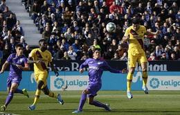 Barcelona thắng nhọc nhằn đội bét bảng La Liga nhờ VAR?