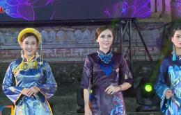 Giữ gìn, phát huy nét đẹp tà áo dài Việt Nam