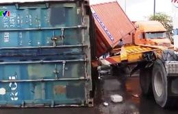 Nâng chế tài xử phạt vận chuyển container mất an toàn