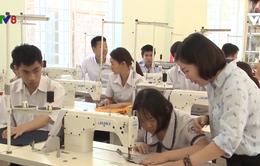 Quảng Ngãi: Trẻ khuyết tật tự lập bằng nghề