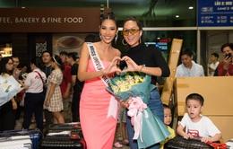 Hoàng Thùy diện đầm tự thiết kế lên đường thi Hoa hậu Hoàn vũ 2019