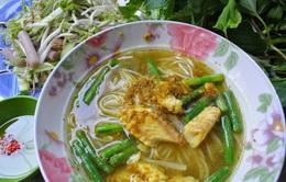 Thưởng thức bún cá Num bo choc của Campuchia ở Sài thành