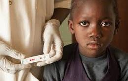 Mỗi ngày có hơn 300 trẻ em và trẻ vị thành niên chết vì bệnh AIDS