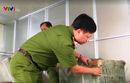 Đà Nẵng: Bắt giữ 8 tấn hàng hóa không rõ xuất xứ