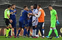 Balotelli tức giận bỏ trận đấu vì bị phân biệt chủng tộc