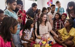 Angelina Jolie khuyên phụ nữ hãy sống trọn vẹn