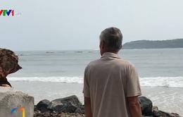 Cư dân ven biển Phú Yên khẩn cấp ứng phó triều cường