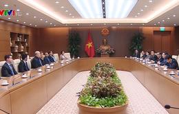 Phó Thủ tướng Vương Đình Huệ tiếp Đoàn đánh giá tại chỗ về chống rửa tiền