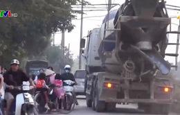 Xe tải tránh trạm thu phí gây mất an toàn giao thông