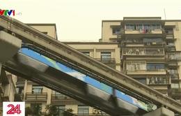 Tàu điện đâm xuyên chung cư ở Trùng Khánh, Trung Quốc