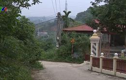 Trưởng thôn người Dao vận động người dân hiến đất