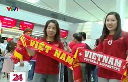 """Hàng nghìn cổ động viên lên máy bay """"tiếp lửa"""" cho U22 Việt Nam"""