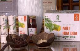 Mới lạ mô hình mát xa hoa dừa lấy mật